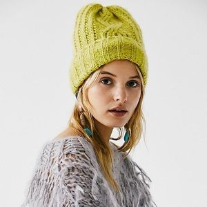 NWT Free People Harlow Cable Knit Beanie